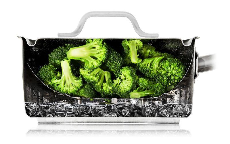 Trad8_Broccoli_HalfPanWet_0280